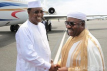 Gabon: Jean Ping fait le show à Paris et à Libreville, le président de l'Union africaine salue Ali Bongo pour sa gestion de la «situation»