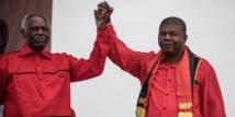 Angola: après 38 ans au pouvoir, dos Santos passe officiellement le relais à son dauphin