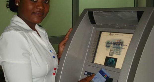 La carte bancaire de la CEMAC en service depuis ce lundi 31 octobre 2016 à Douala au Cameroun