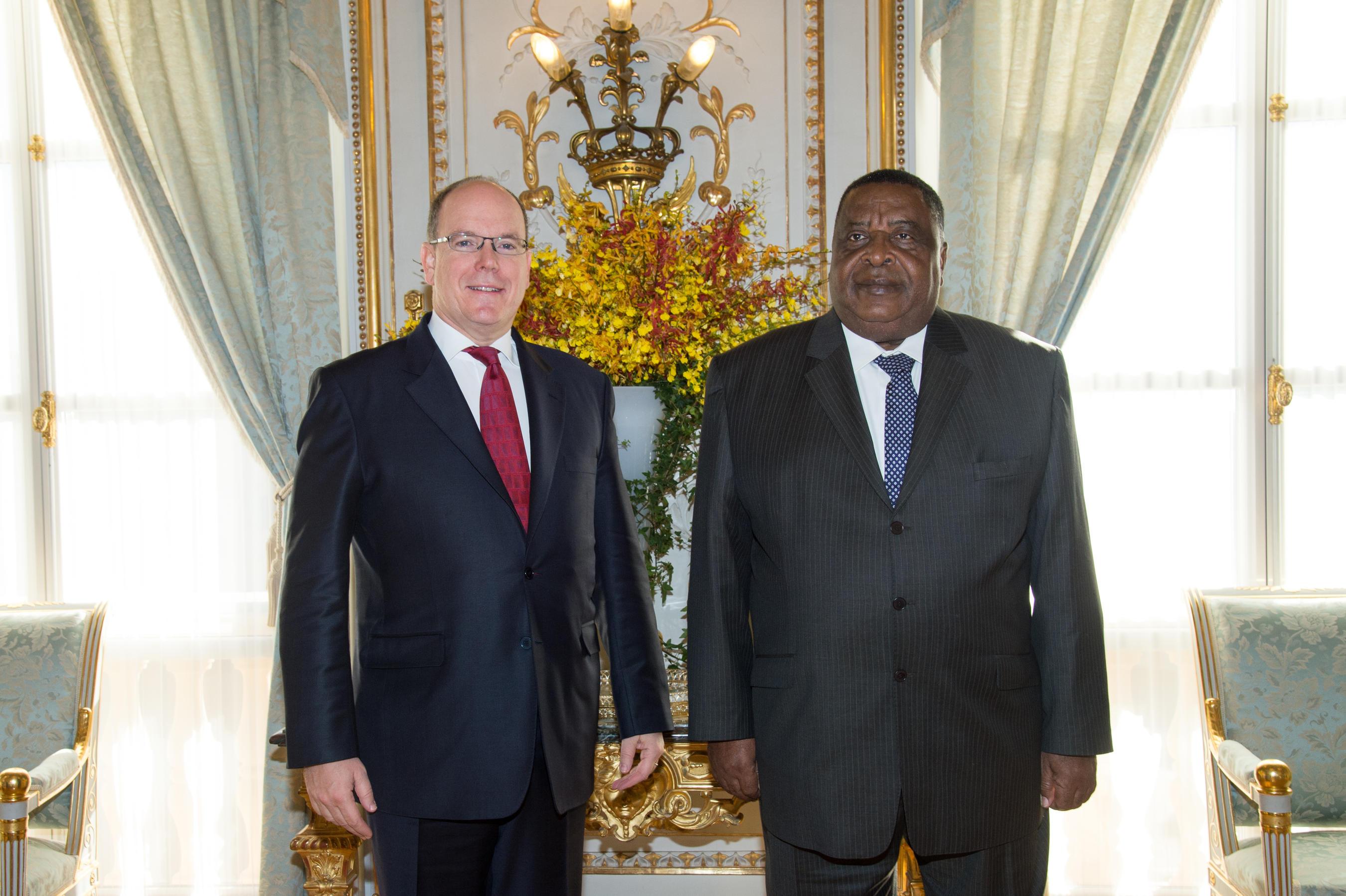 L'Ambassadeur de la Guinée Equatorial en France son excellence Mr Oyono Ndong Mifumu Présente ses lettres de Créances