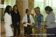 Guinée Équatoriale   oeuvres Humanitaires  :  Constancia  Mangue de Obiang  , hôte de Xernona Clayton Présidente de la Fondation  Trumpet , à quelques mois de la remise du prix !!!