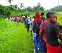 Guinée Équatoriale culture et langues vernaculaires :  Transmettre très tôt  aux    enfants les valeurs et la culture du terroir pour une survie de notre Tradition   , au risque de faire de  ces   jeunes ,  des aliénés culturels !!!