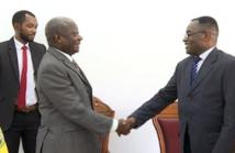 Le haut commissaire chargé du marché commun de la commission de la CEMAC, Michel Niama, et le secrétaire d'État chargé de la sécurité nationale de la Guinée Equatoriale, Eduardo Minag, après la signature de l'accord. Photo : Site officiel du gouvernement de la République de Guinée équatoriale