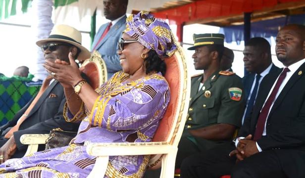 Le couple présidentiel à Eson-Monduma