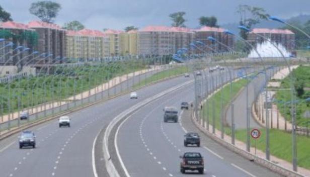 Autoroute reliant l'aéroport de Malabo à Sipopo