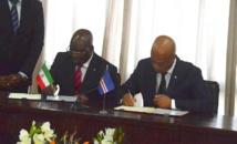 Le ministre équato-guinéen des Affaires étrangères et de la Coopération, Siméon Oyono Esono et son homologue cap-verdien, Luís Filipe Tavares, le 16 avril 2019 à Praia. Photo : PDGE