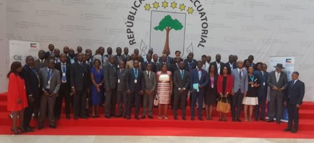 César A. Mba Abogo : « En Afrique centrale, nous risquons de devenir de simples spectateurs/consommateurs de l'économie numérique »