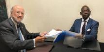 Le Représentant permanent de la Guinée Equatoriale auprès de l'Union européenne participe en qualité d'observateur aux élections en Bolivie