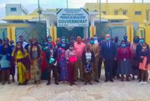 Photo de famille au terme de la mission d'exploration, dans le Woleu-Ntem, en vue de choisir le futur siège du projet. © Unesco