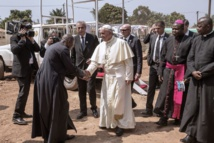 """Le pape aux Centrafricains: résistez à la """"peur de l'autre"""""""