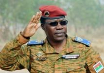 Le président du Burkina se lance dans la réforme de l'armée