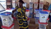 Présidentielle en Centrafrique: les électeurs votent pour la paix