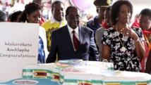 Zimbabwe: au festin de ses 92 ans, Mugabe dénonce les divisions de son parti