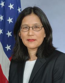 Que l'ambassadrice des USA à Malabo fasse évoluer son pays de la barbarie de la peine de mort vers le respect des Droits de l'homme.
