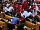 Afrique du Sud: bagarre au Parlement sur fond de défiance grandissante envers le président Zuma