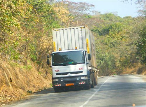 Le Cameroun, le Tchad et la Centrafrique valident un titre de transit unique pour la circulation des marchandises