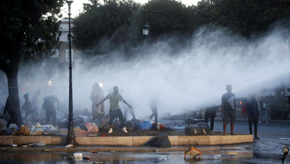 Paris accueille un mini-sommet euro-africain sur la crise migratoire