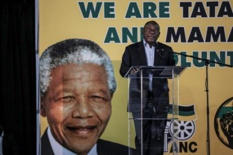 """Réforme agraire en Afrique du Sud: le président reconnaît le """"manque de progrès"""" réalisés par l'ANC"""