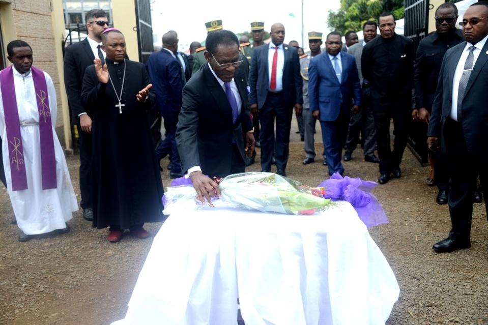 Droit de réponse à Salomon Abeso Ndong suite à ses allégations contre le chef de l'Etat au sujet de la fête des morts!