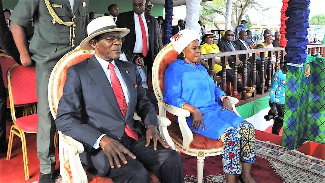 Le couple présidentiel à Ebibeyin