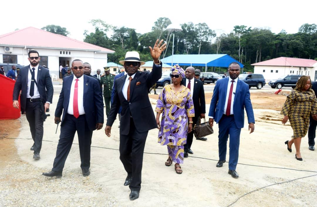 le couple présidentiel à Mbere-Oyala