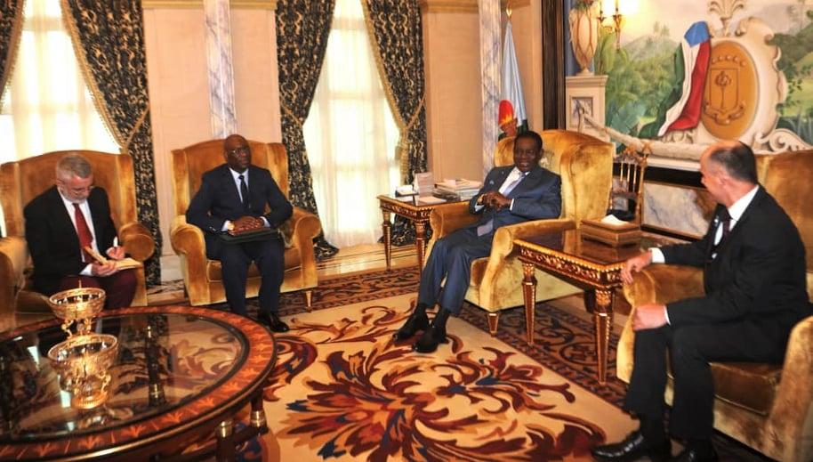 Le nouvel ambassadeur de France en Guinée équatoriale reçu au Palais du Peuple de Malabo par le Président Obiang Nguema Mbasogo