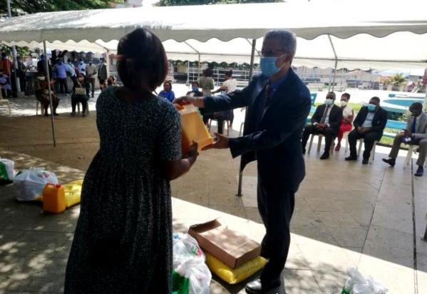 Covid-19/Guinée Equatoriale: Le gouvernement distribue des kits alimentaires et sanitaires aux plus vulnérables