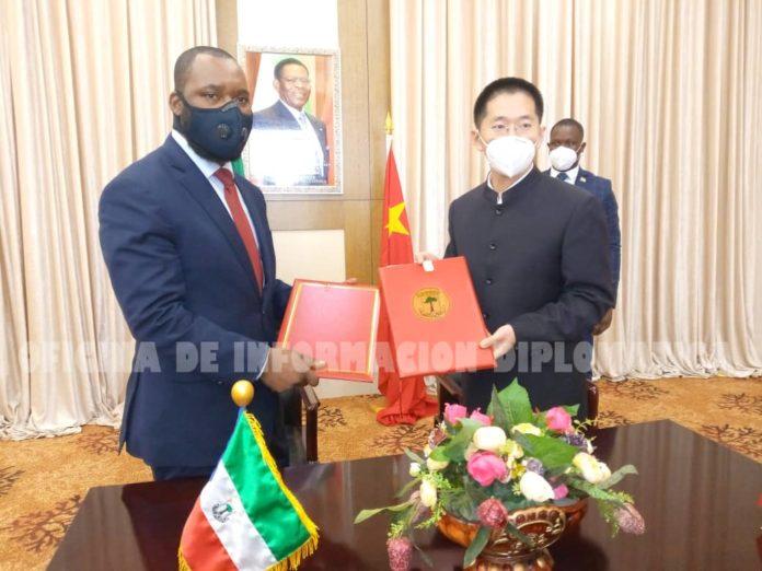 La Guinée équatoriale signe avec la Chine l'accord complémentaire pour la construction d'un hôpital à Niefang
