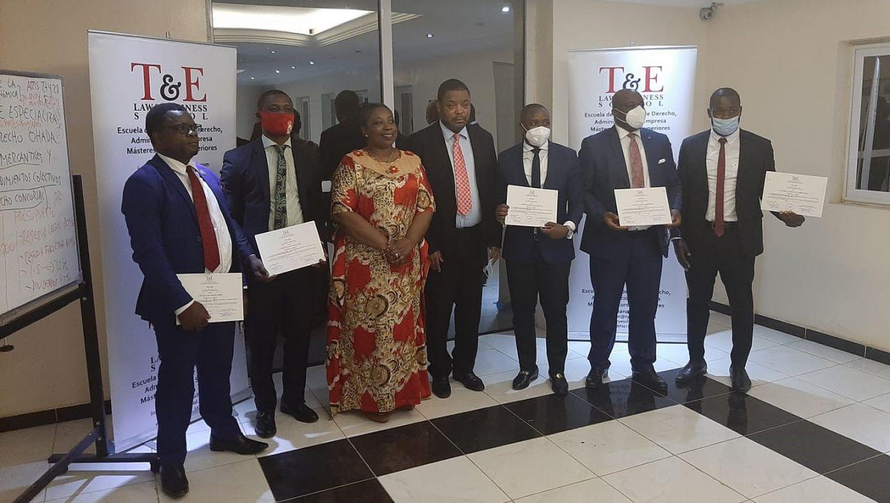 OHADA / Guinée Équatoriale :  Finalisation du 1er cours de spécialisation en droit OHADA des sociétés commerciales et droit OHADA des procédures collectives à la T & E Law and Business School de Banapa, Malabo