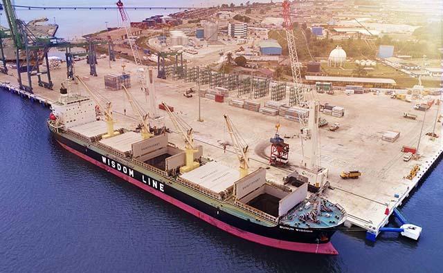 Une cargaison de 2000 tonnes de méthanol en provenance de la Guinée équatoriale est récemment arrivée au Gabon via le NOIP. © afcons.com