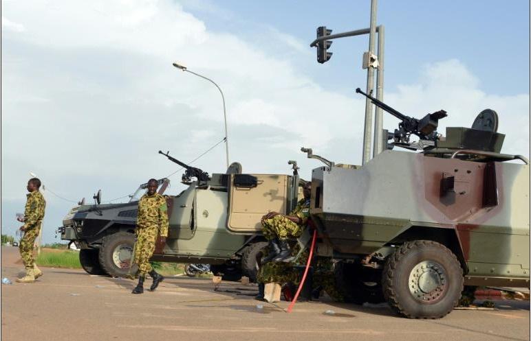 Après le coup d'Etat, l'UA suspend le Burkina et sanctionne les putschistes