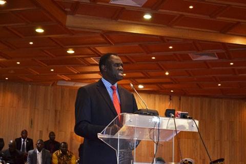 Transition politique au Burkina : Michel Kafando réinstallé par ses pairs