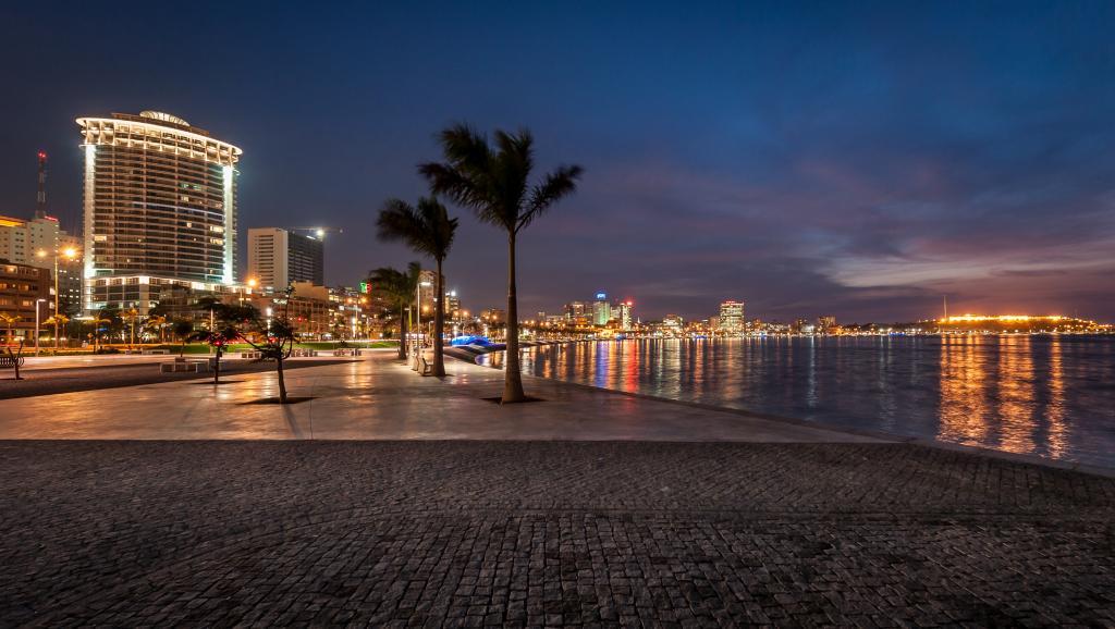 L'Angola a 40 ans: verrouillage politique et croissance économique