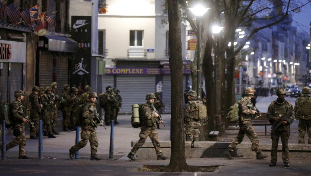 Cinq jours après les attentats perpétrés en région parisienne, des tirs nourris ont été échangés dans la nuit de mardi à mercredi à Saint-Denis, lors d'une opération de la sous-direction antiterroriste et du Raid lancée avant l'aube. Au moins une per