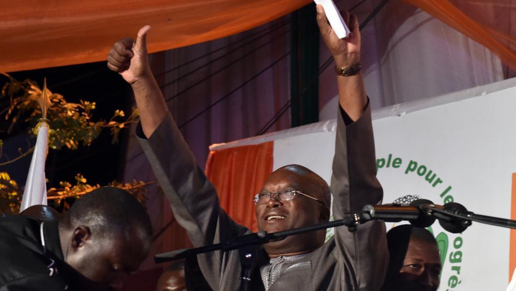 Législatives au Burkina: le parti du président élu Kaboré en tête