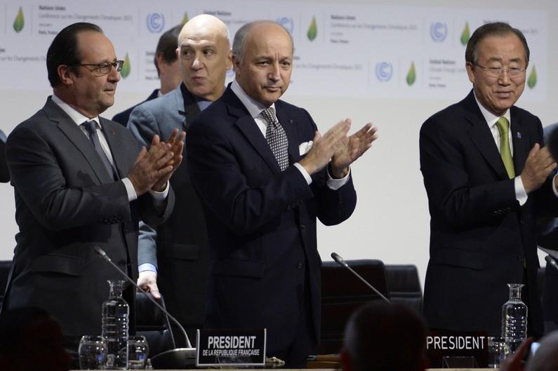 COP21 : les 195 pays adoptent un accord historique sur le climat