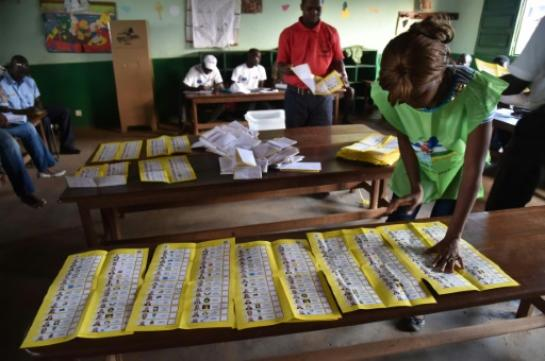 """Présidentielle centrafricaine: deux tiers des candidats exigent """"l'arrêt"""" d'une """"mascarade électorale"""
