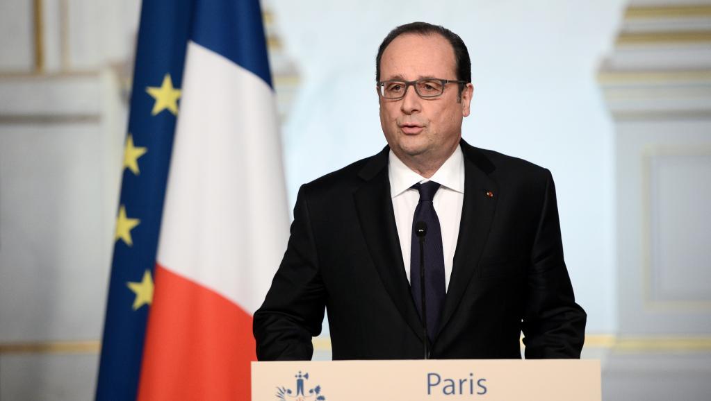 Terrorisme: François Hollande renonce à réviser la Constitution