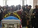 A Kinshasa, des milliers de Congolais disent adieu avec ferveur à Papa Wemba