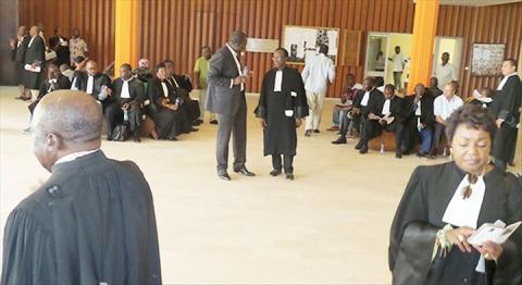 Gabon: société civile et magistrats en colère à l'approche de la présidentielle