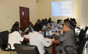 Séance de travail à Malabo entre les experts de la Commission économique des Nations unies pour l'Afrique (CEA) et les membres de la Cemac