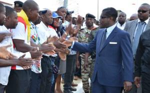 Le vice-président de la Guinée Équatoriale facilite le transport des élèves et des étudiants en toute sécurité !