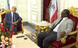 Tête à tête convivial entre le Vice-Président et le haut représentant de la France en Guinée Equatoriale !