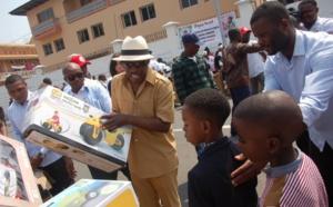 Guinée Equatoriale : La traditionnelle opération de distribution de cadeaux envers les enfants défavorisés reconduite cette année