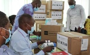 La Fondation Constacia Mangue Nsue Okomo distribue du matériel de prévention aux établissements d'enseignement de Malabo.