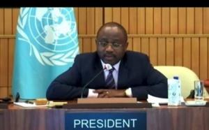 Agapito Mba Mokuy clôture la 210e session du Conseil exécutif de l'UNESCO